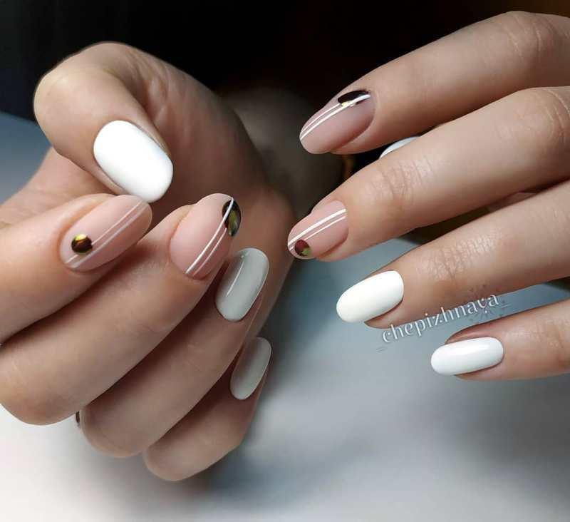 белые короткие ногти 2019_4