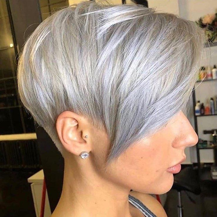короткие стрижки для пепельных волос фото 13