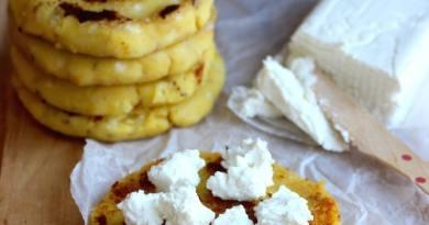 Аппетитные банановые оладьи к завтраку — делайте сразу вдвое больше