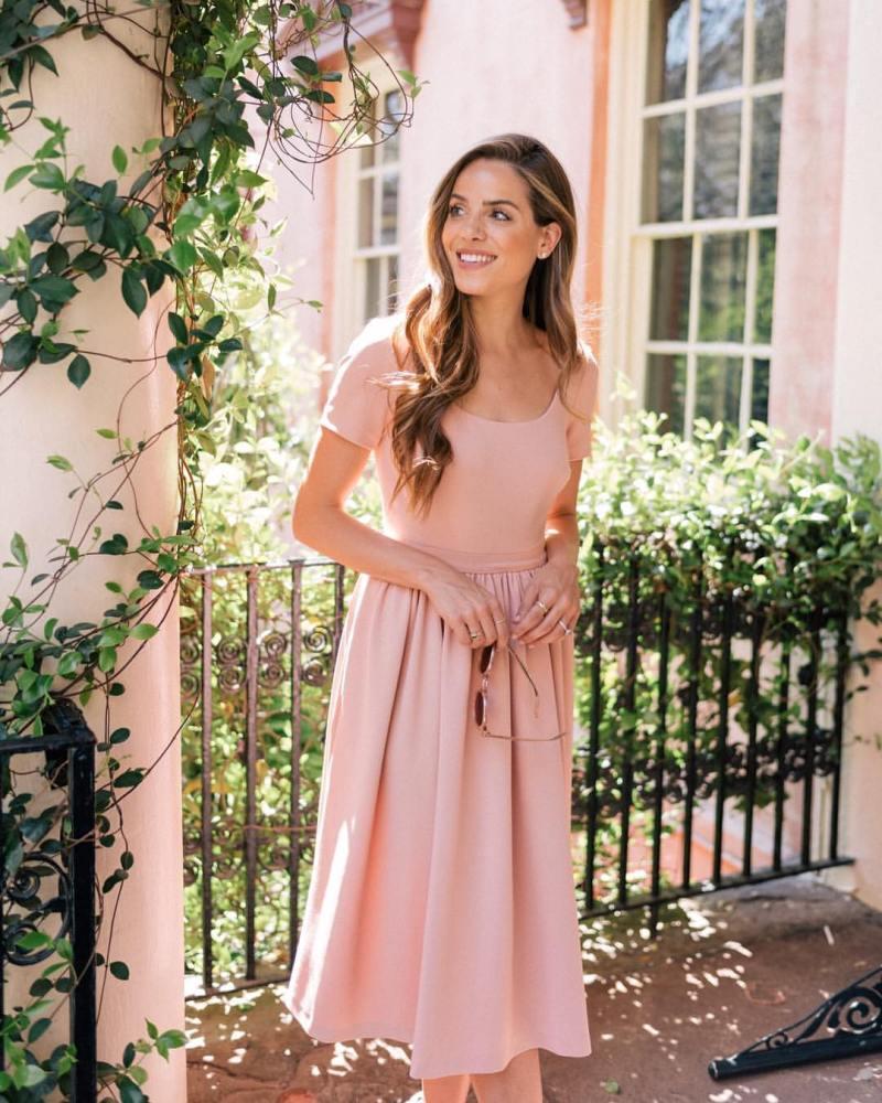 Пудровое платье фото 10