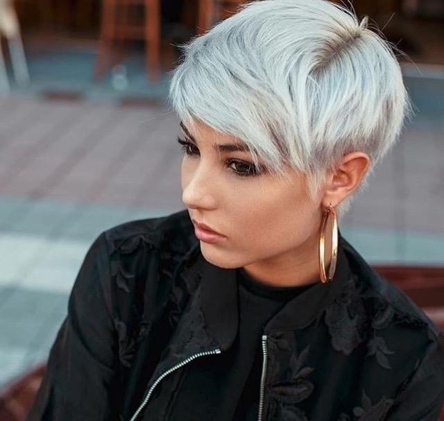 причёски для круглой формы лица фото 6