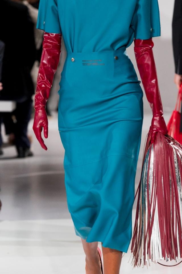 calvin-klein-rubber-gloves-2