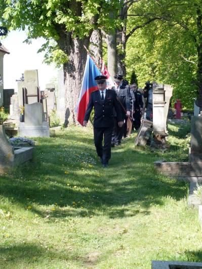 Přesun ke druhému hrobu