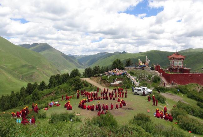 Village de Larung Gar Gompa, dans l'ouest du Sichuan en Chine