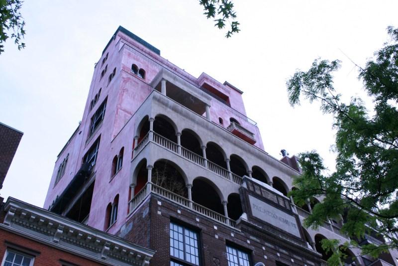 Le palazzo chupi