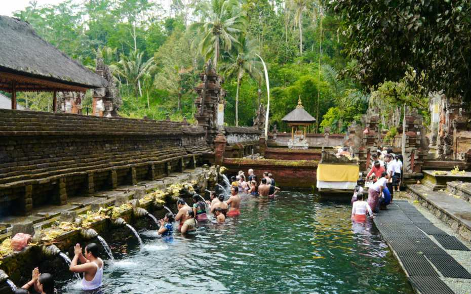 visiter les temples lors d'un voyage à Ubud