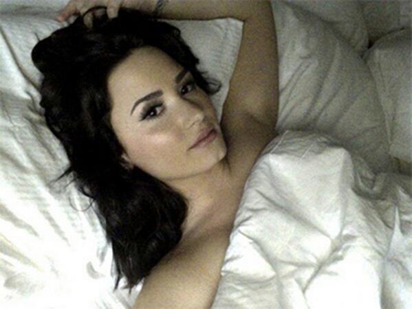 #NowNews : Se filtran fotos  íntimas de Demi Lovato