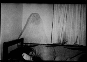#LoMasViral ¡ Abuelita es manoseada por fantasmas !