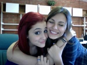 #NowNews: Victoria Justice explica sí trabajaría de nuevo con Ariana Grande