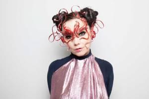 #LoMásViral: El vestido de Björk que paralizó internet (+Imágenes)