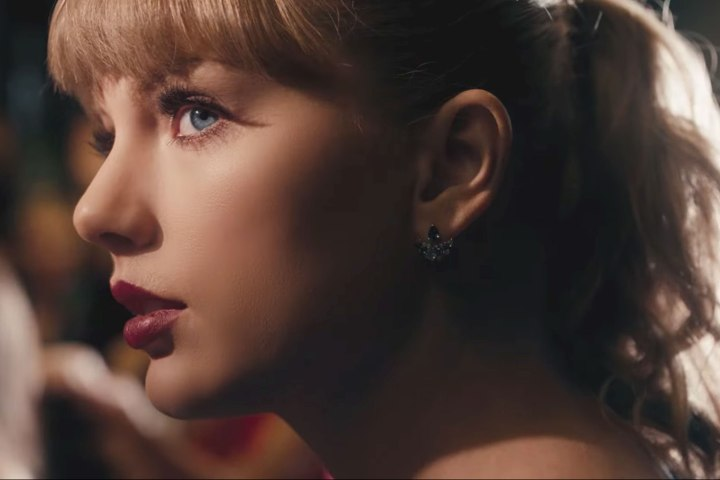 #NowNews: ¿Alguien sabe por qué este video de Taylor Swift no se puede ver continuamente?
