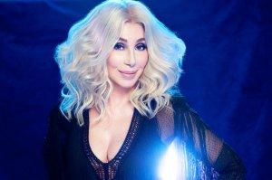 """#MúsicaNueva Lo """"nuevo"""" de Cher suena cool ¿Ya lo escuchaste?"""