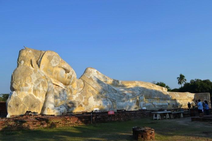 wat lokaya sutharam ayutthaya bouddha couché allongé noworries