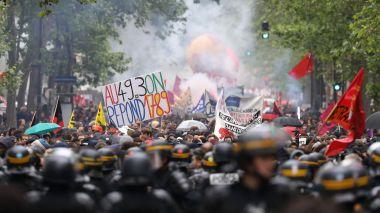 manifestation-contre-le-projet-de-loi-travail-a-paris-le-19-mai-2016_5600581