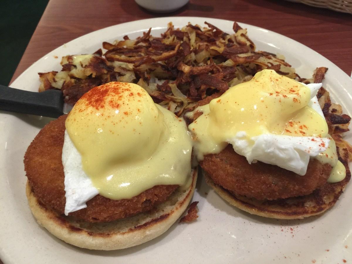 Bill's Café San Jose で人気のダイナーで 朝食