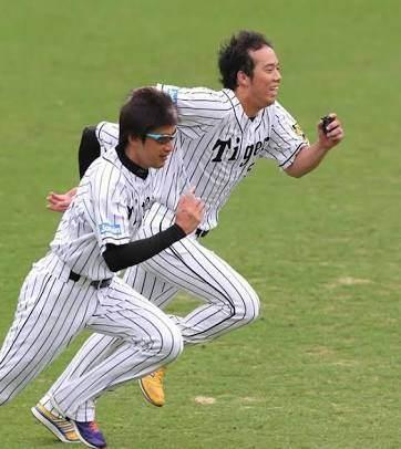 【悲報】阪神・能見篤史さん(38)、暇すぎてファームで遊んでる