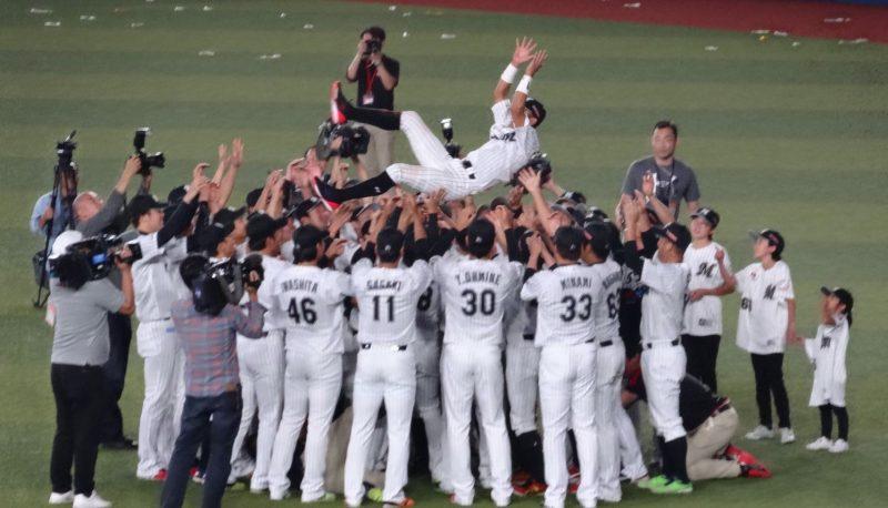 【朗報】ロッテ・岡田幸文さん、引退試合で猛打賞!!!!