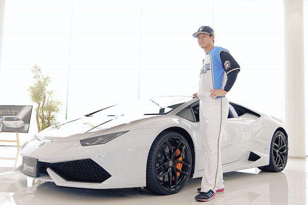 【朗報】日本ハム西川遥輝、3000万のランボルギーニに乗る
