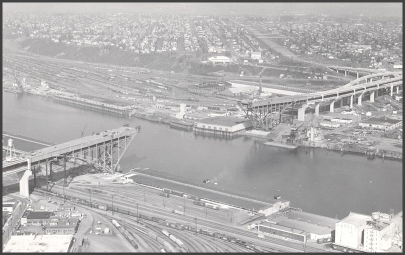 Fremont Bridge constructions