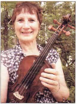 Julie Metcalfe : Violin, Piano