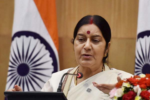 Swaraj takes on Kerala CM Chandy over evacuation of Indians from Libya