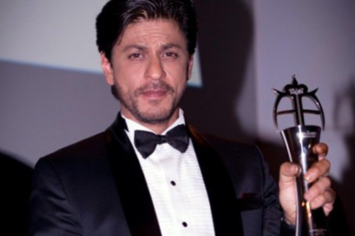 SRK awarded for Outstanding Contribution to Cinema at Asian Awards