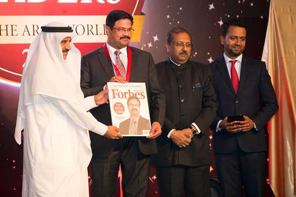 Dr. Dhananjay Datar wins top Indian Leader in the Arab World 2015