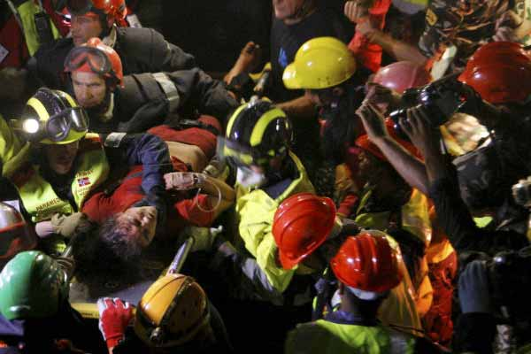 Nepal quake: Woman rescued from wreckage 128 hours after quake