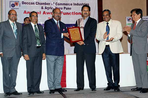 Deccan Chamber of Commerce presents its annual awards