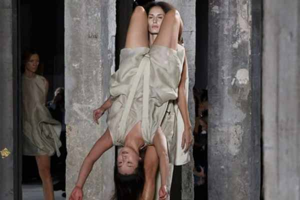 Bizarre fashion show: Why wear clothes when you can wear models