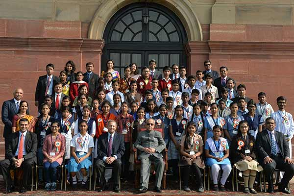 National winners of 'Tata Building India School Essay Competition' meet the President of India and get felicitated by the Tata group