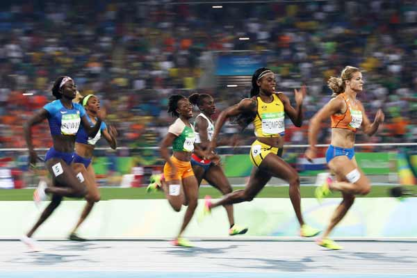 Rio 2016: Warrior Thompson completes sprint double with 200m victory
