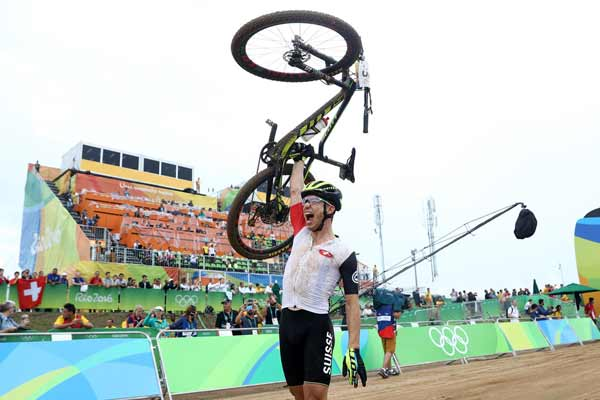 Rio 2016: Third time lucky as Schurter takes men's MTB gold