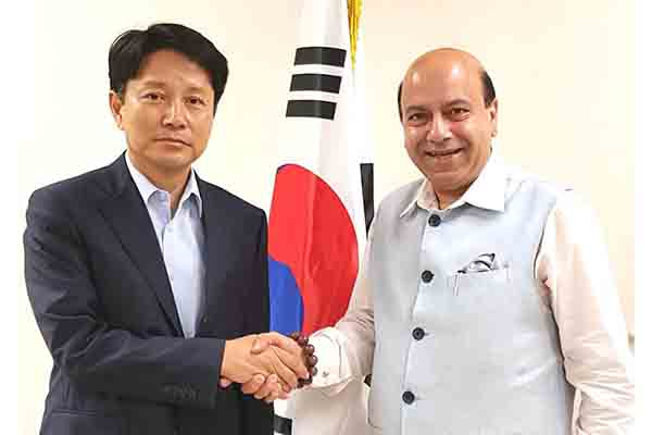 Vijay Jolly Keynote Speaker in South Korea at International Media Forum