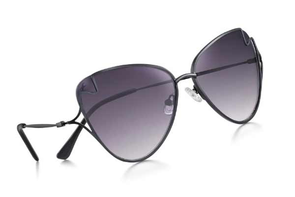 Be Chic-y and Stand Out with Headliners by Fastrack