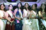 Celebs at finale of Mrs Bharat Icon 2017 at Sahara Star