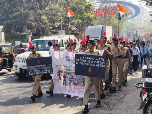 Ghanshyamdas Saraf College pays tribute to the martyrs