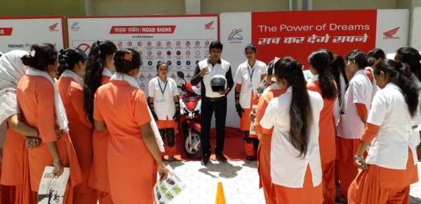 Honda empowers female students of Pune with its National Road Safety Awareness initiative