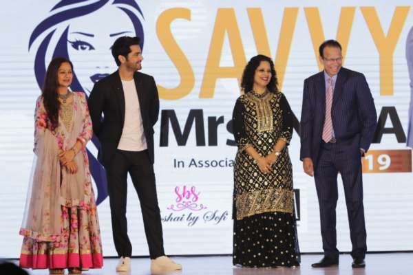 The Grand Finale of the 'SAVVY MRS. INDIA 2019' Pageant (media handled by Shimmer Entertainment) it was a glitz and glam affair all the way!!