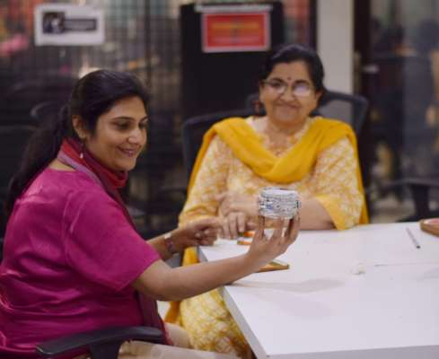 Etsy meets with Pune traditional artists
