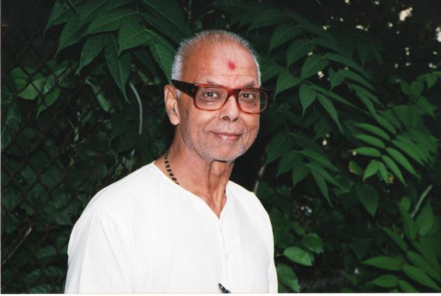 The first and primary Pujari (priest) of  BAPS Shri Swaminarayan Mandir, Pujari Pratapbhai Raval passed away on May 13, 2020, at the age of 93 years.