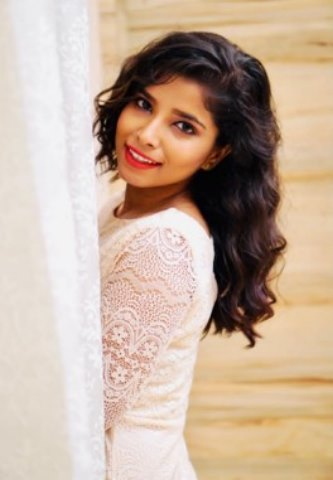 A Story Of A Small Town Girl To Bollywood- Puja Jha