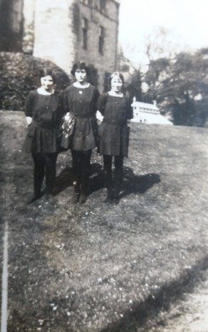 Picture of schoolgirls from mystery 1920s photo album handed in to National Records of Scotland