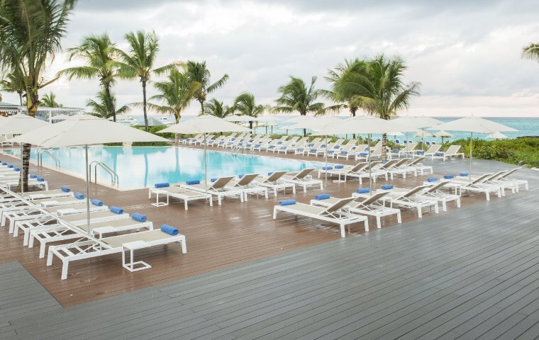 A secluded all inclusive resort in the Bahamas, with isolated beaches and world-class scuba diving sites.