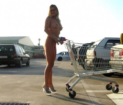 nude-shopping