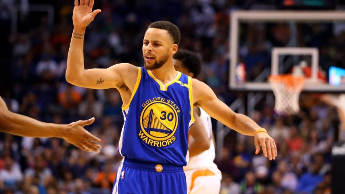 new style 00bcf f463d Curry, Warriors douse Suns, clinch No. 1 seed in West – The ...