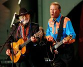 FILE PHOTO - Willie Nelson (L) and Glen Campbell perform on stage at the 20th Autry National Center gala at the Gene Autry Western Heritage museum in Los Angeles September 29, 2007. The gala celebrates the 100th birthday of late actor Gene Autry. REUTERS/Mario Anzuoni/File Photo