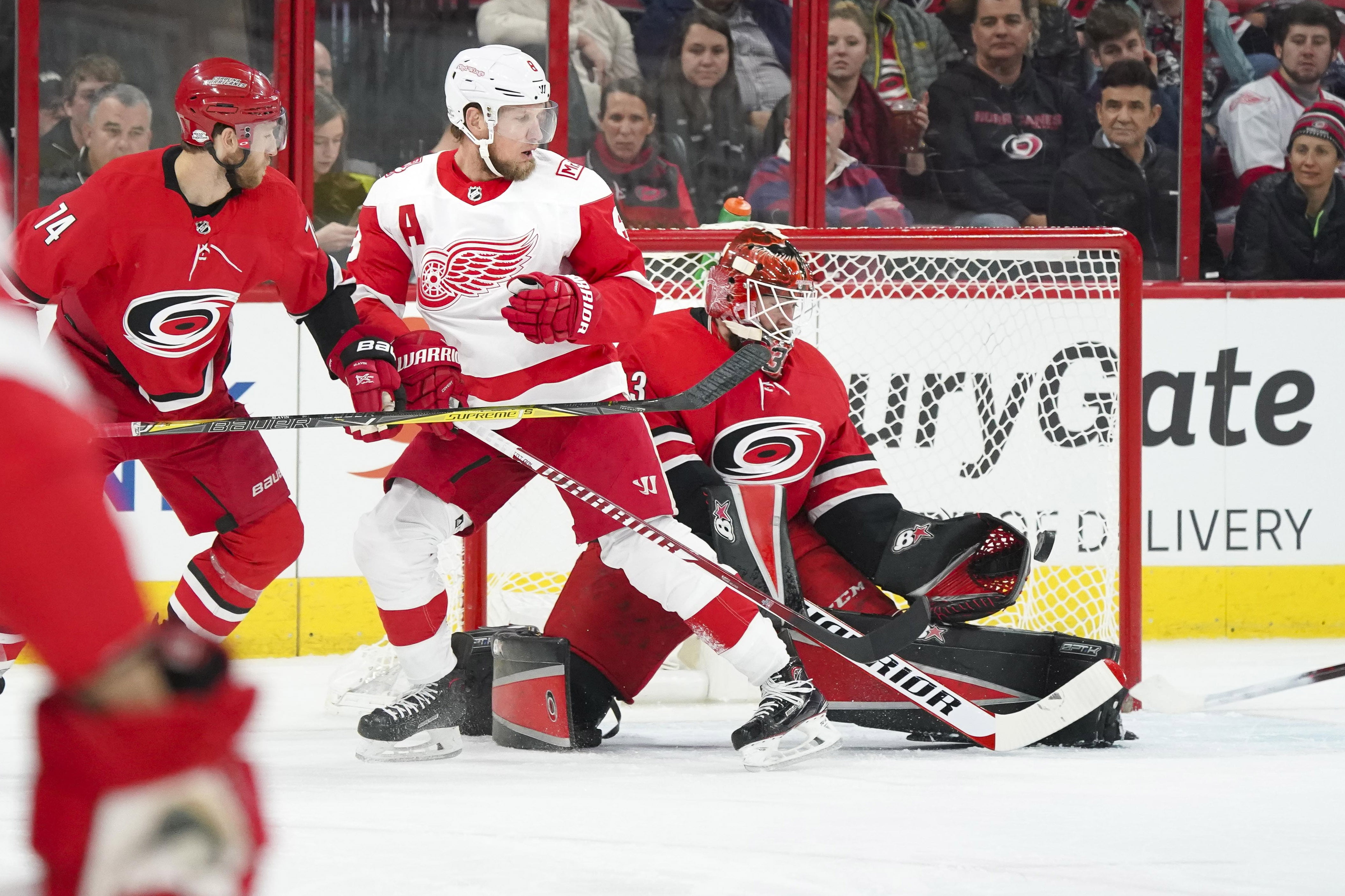 NHL: Mrazek sharp in win at Carolina