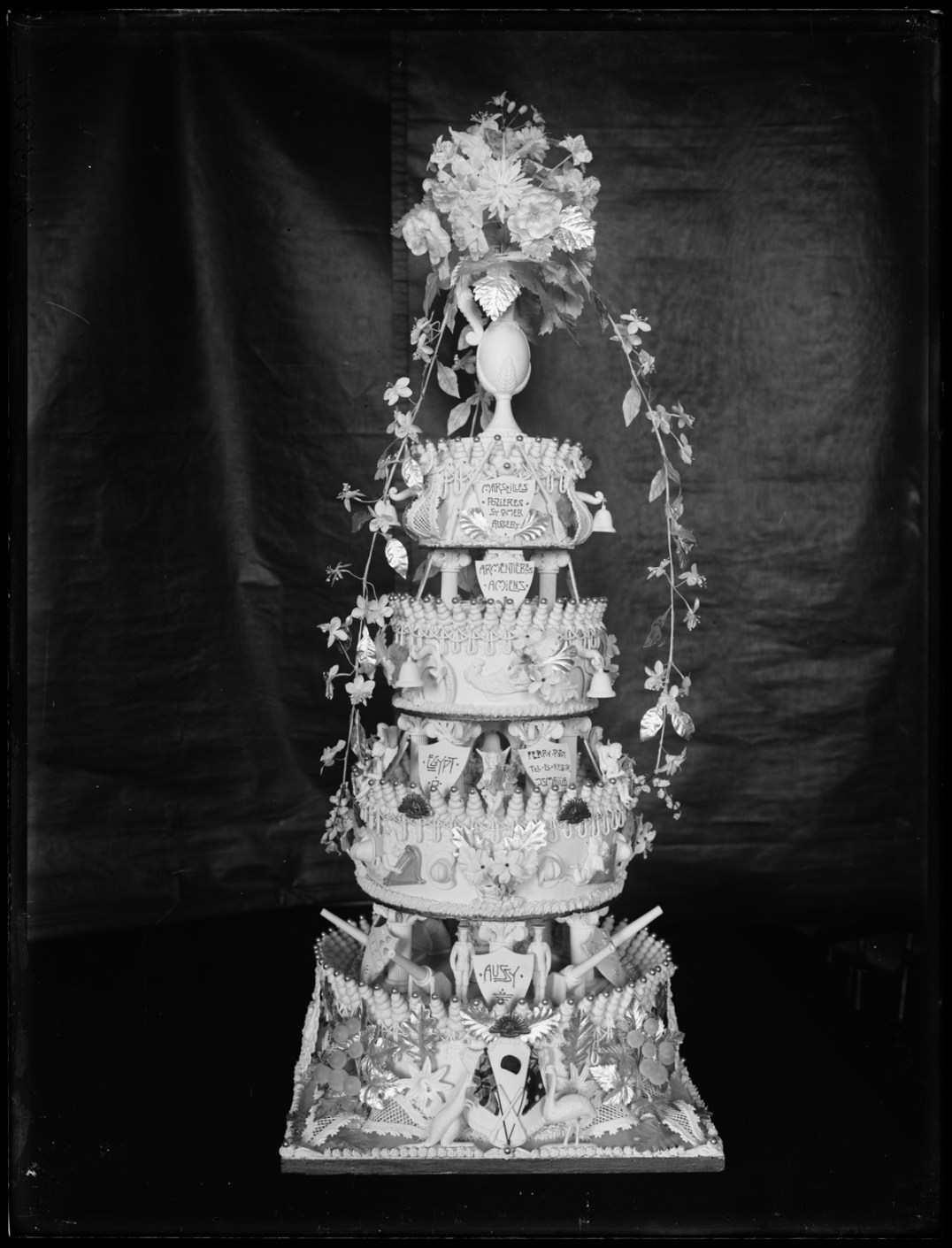 Wedding cake, State Bakery, 2 May 1918. From NRS 4481, MS5802