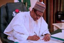Photo of Buhari signs Nigeria Police Bill 2020